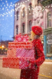 tips for handling holiday packages without hurting your back